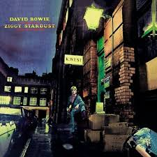 1972 – The Rise and Fall of Ziggy Stardust and the Spiders from Mars