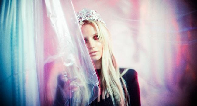 Ακούστε Teasers από ακυκλοφόρητα τραγούδια της Britney Spears