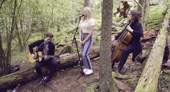 Νέο Video Clip | Astrid S – Does She Know (Acoustic Version)