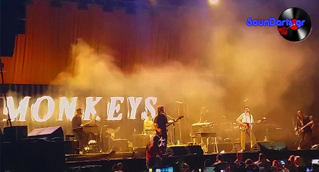 """Οι Arctic Monkeys """"έβαλαν φωτιά"""" στο κατάμεστο TerraVibe Park"""