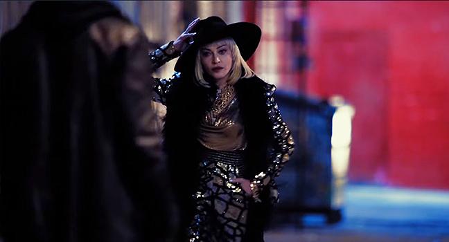 Νέο Music Video   Madonna – God Control