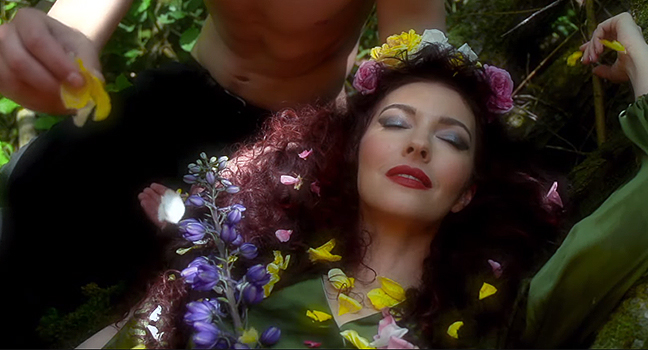 Νέο Music Video | Chrysta Bell – Feels Like Love