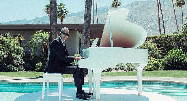 Νέα Συνεργασία | Jeff Goldblum & The Mildred Snitzer Orchestra Feat. Sharon Van Etten – Let's Face The Music And Dance