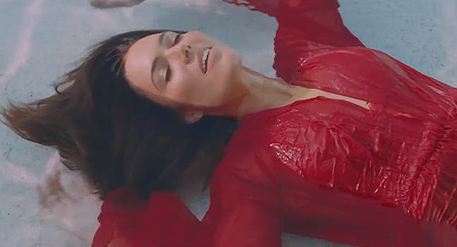 Νέο Τραγούδι & Music Video | Mandy Moore – When I Wasn't Watching