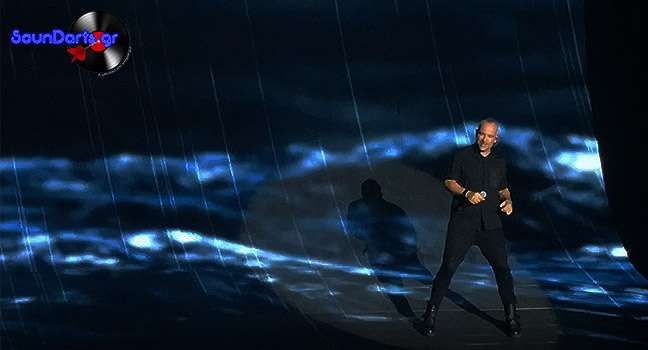 Ο Eros Ramazzotti κατέπληξε το κοινό στην πρώτη του συναυλία στην Αθήνα μετά από 13 χρόνια!