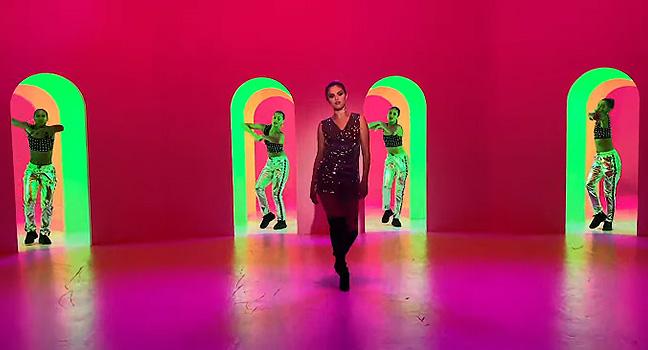 Νέο Τραγούδι & Music Video | Selena Gomez – Look At Her Now
