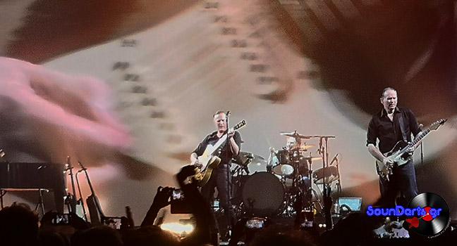 News   Δείτε τον Bryan Adams να παίζει το πασίγνωστο συρτάκι του «Ζορμπά» με την κιθάρα του