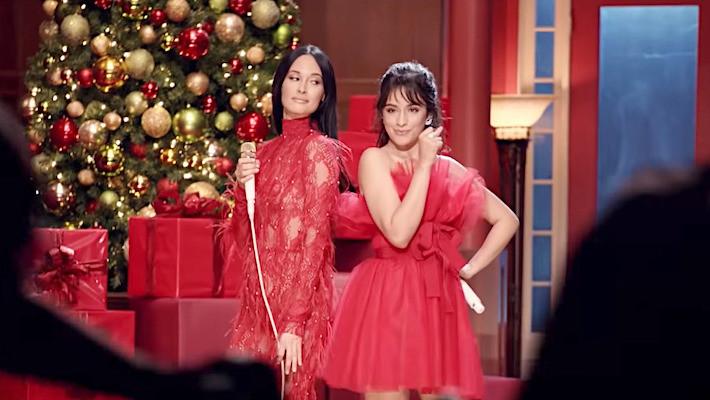 Νέα Συνεργασία | Kacey Musgraves & Camila Cabello – Rockin' Around The Christmas Tree