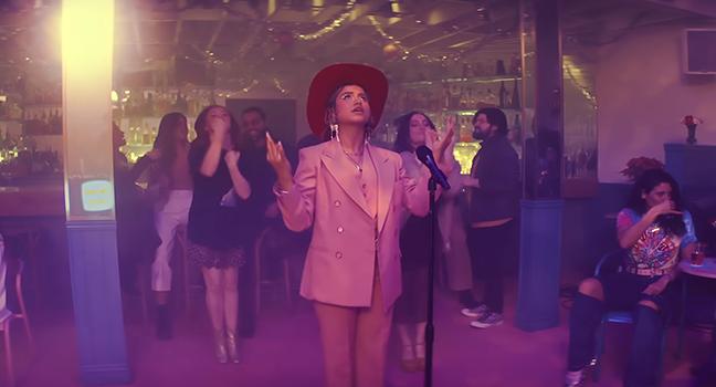 Νέο Music Video | Sofia Reyes – IDIOTA