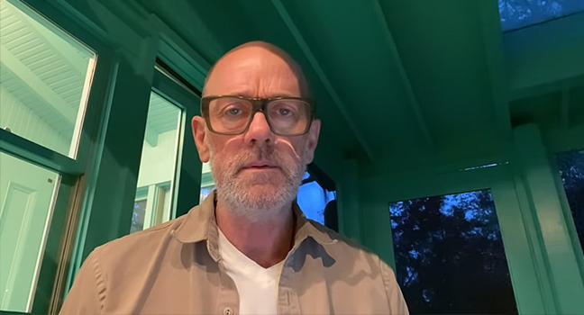 News | Ο Michael Stipe των R.E.M. παρουσιάζει ζωντανά ένα ολοκαίνουριο τραγούδι