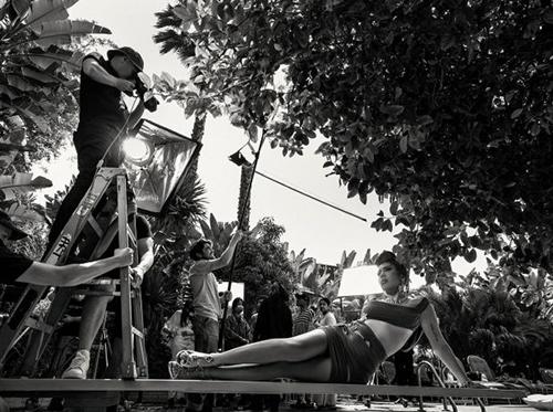 Bryan Adams photographing Kali Uchis. Photograph: Alessandro Scotti